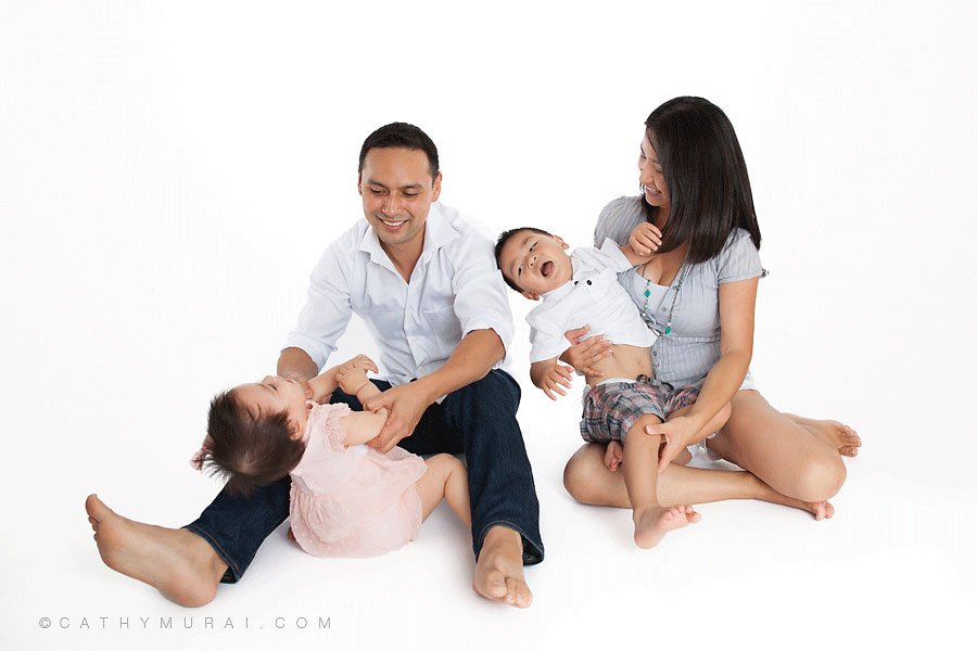 funny behind the scene family portrait session